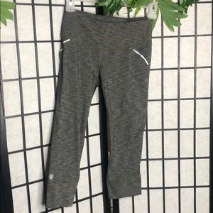 Athleta Crops Leggings